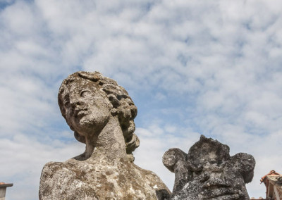 Citerna-statue-light