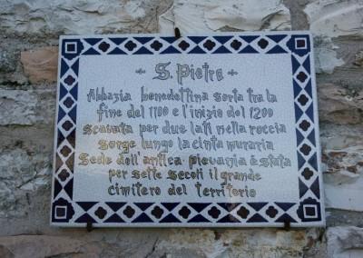 Fossato di Vico - Chiesa S Pietro 1
