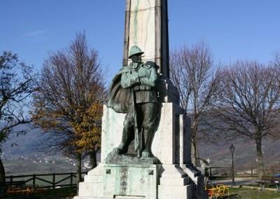 Fossato di Vico - Monumento Caduti