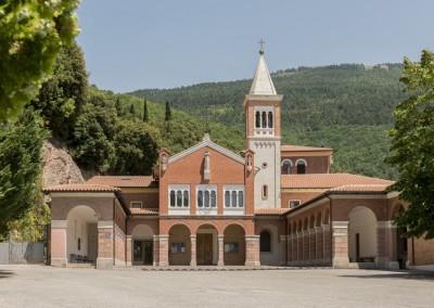 Gualdo Tadino - santuario madonna divino amore