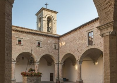 Gubbio - basilicasantubaldochiostro