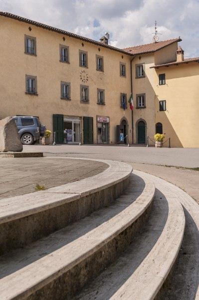 Lisciano Niccone - edificio comune