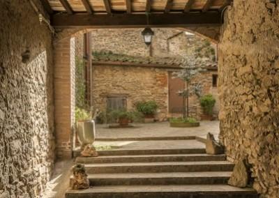 Monte Santa Maria Tiberina - cortile interno