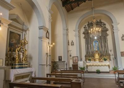 Monte Santa Maria Tiberina - interno chiesa