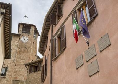 Montone - palazzo comunale e torre civica