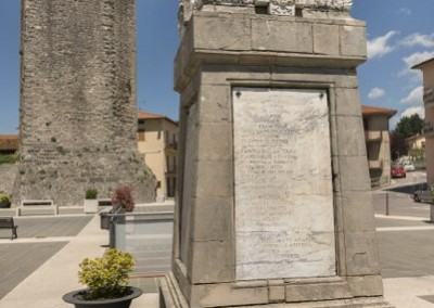 Pietralunga - monumento caduti