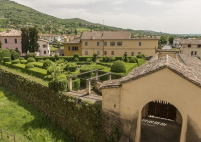 San Giustino - castello bufalini giardino e paese
