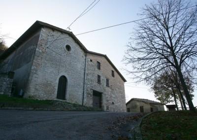Sigillo - Chiesa SM Assunta a)