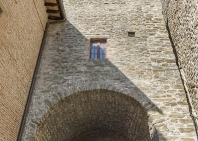 Valfabbrica - casacastalda porta orologio1