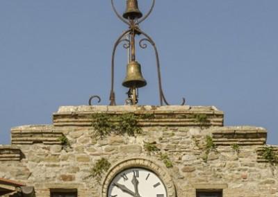 Valfabbrica - casacastalda porta orologio2
